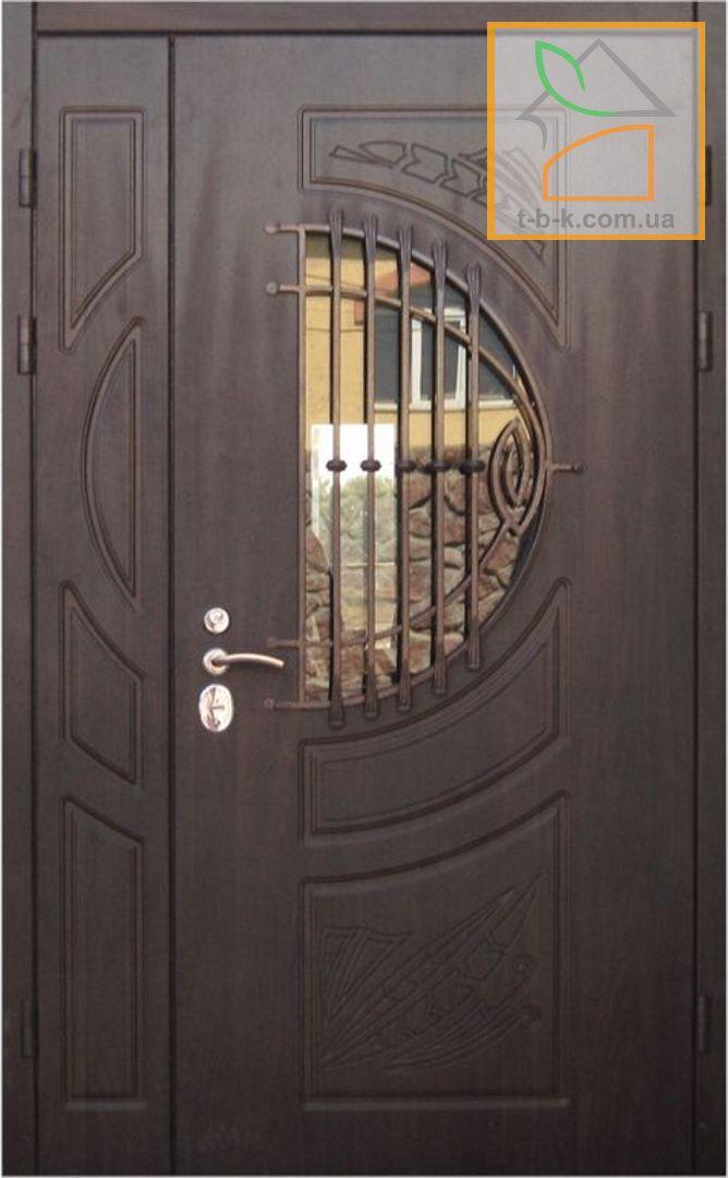 Дверь входная Троя полуторная с ковкой и стеклопакетом